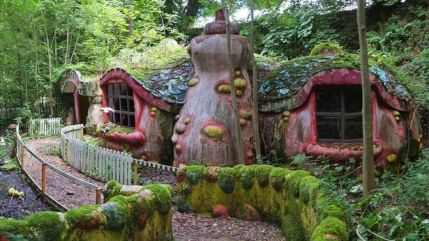 0_Pictures-showing-Blobby-Land